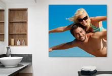 foto metacrilato baño ejemplo pareja cielo azul