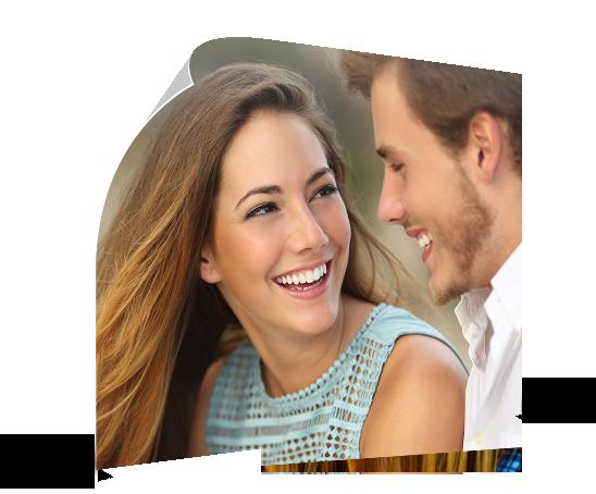 poster ejemplo pareja que rie